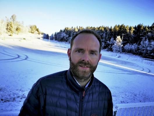TOMMEL OPP: Varaordførerkandidat Oddbjørn Lager Nesje (Ap) er svært positiv til planene om en midlertidig idrettshall på Østre Greverud.