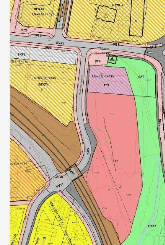 KARTET OVER TOMTEN: På den kommunale tomten (i rødt på kartet) skal Kollen barnehage bygges. Den lille nabotomten i nord for den (i rosa med striper på kartet) eies av Marianne Bonde Hansen.