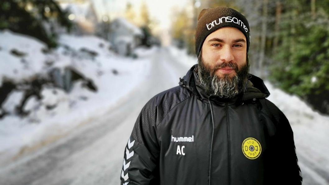 FREM OG OPPOVER: Andreas Carlsson (33) er den nye hovedtreneren  for Oppegårds A-lag. Han er en ambisiøs trener med klare visjoner for hva fremtiden skal bringe til Oppegård.