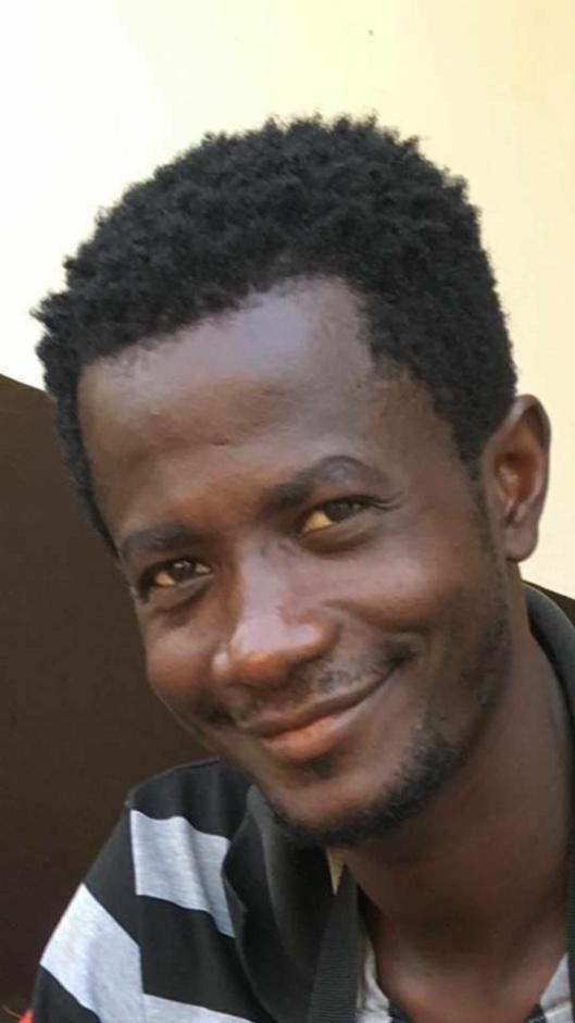 STILLER UT: Kunstner Kojo Biney fra Ghana.