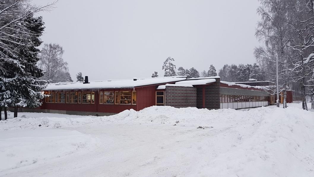 SKAL RIVES OG ERSTATTES MED BOLIGER: Barneskolen på Sofiemyr skal rives, ifølge planforslaget.