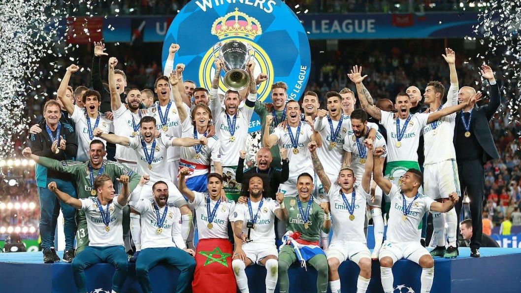 VINNERE: Real Madrid løftet mesterligapokalen etter fjorårets finale mot Liverpool. Neste uke kommer den legendariske pokalen til Kolbotn Torg. (Foto: Commons)