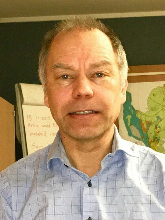 KRITISK: Revisjonssjef i Follo distriktsrevisjon IKS (FDR), Steinar Neby, mener Oppegård kommune bryter gjeldende kommunelov ved å ikke utføre de lovpålagte forvaltningsrevisjonene.