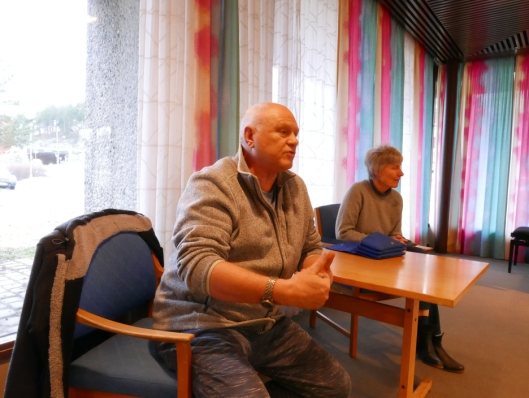 BEKYMRET: – Må en ulykke til før noe skjer her? spurte Bjørn Erik Berentsen (69), som bor i Solbråtanveien.