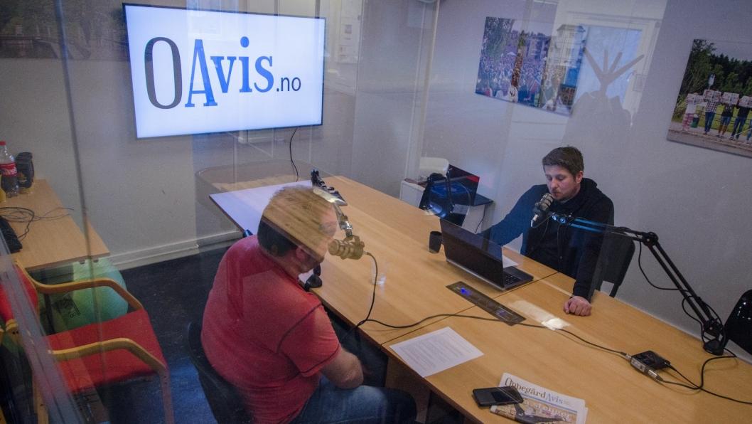 NY SENDING: Programleder Eskil Bjørshol (t.h.) og redaktør Sigbjørn Vedeld har vært i studio igjen. Hør hva de snakker om denne uka.