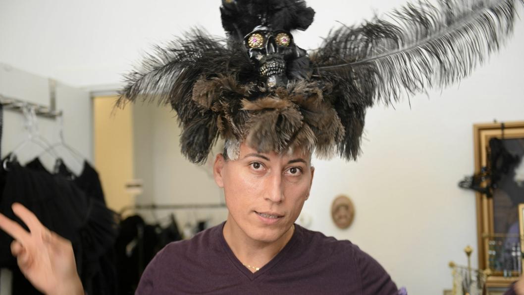 HERRE OVER SIN HATT: James Lazar Braathen har alltid en ny hatt på lager.