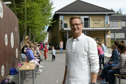 MYE LÆRING. Rektor Rune Solberg synes det er mye læring i å delta på UNICEF-runden.