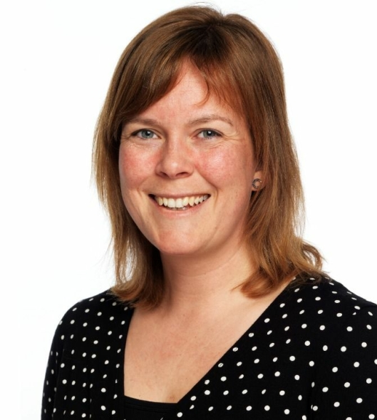 EKSPERT PÅ MUGGSOPP: Seniorrådgiver Ingeborg Bjorvand Engh hos rådgivningsselskapet Mycoteam er blant Norges fremste eksperter på muggsopp.