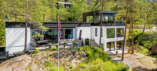 Artisten skylder på alderdom - selger villa på Svartskog til 17,5 millioner