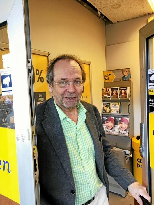 PÅ BUTIKKEN: I 2017 møtte Oppegård Avis Ole Paus på Coop Prix på Kolbotn. Nasjonalskalden synes det er utrolig fint, men vet ikke om han blir boende i kommunen.