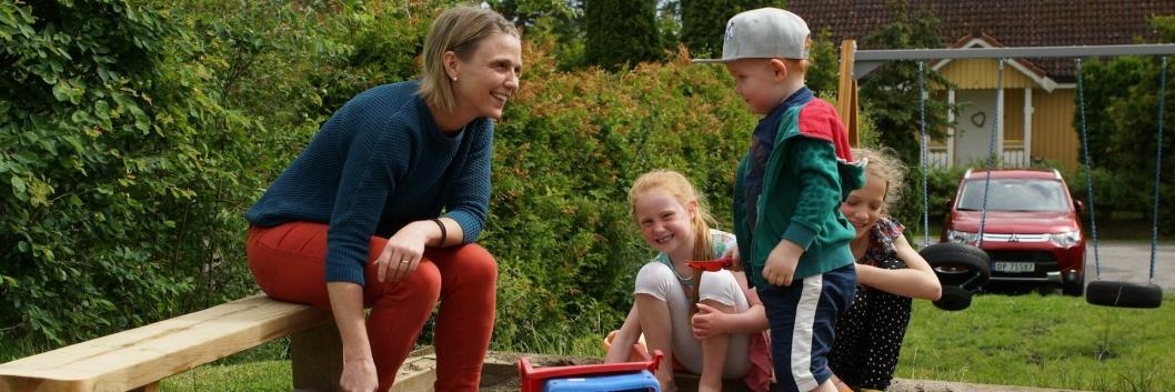 """""""Vi må ta vare på alle i Nordre Follo, også barn som ikke har så ressurssterke foreldre,"""" skriver Venstres ordførerkandidat i Nordre Follo, Camilla Hille, i sitt debattinnlegg."""