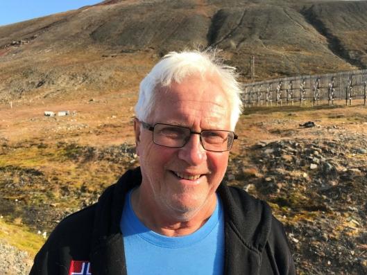 OPPTATT AV STØY I FOLKEHELSEPERSPEKTIV: Birger Løvland (73) håper alle partiene som stiller til valg svarer på spørsmålet hans. Løvland er bosatt i Oppegård syd og har jobbet som fastlege i Ski siden 1974. Han er opptatt av støy i et folkehelseperspektiv.