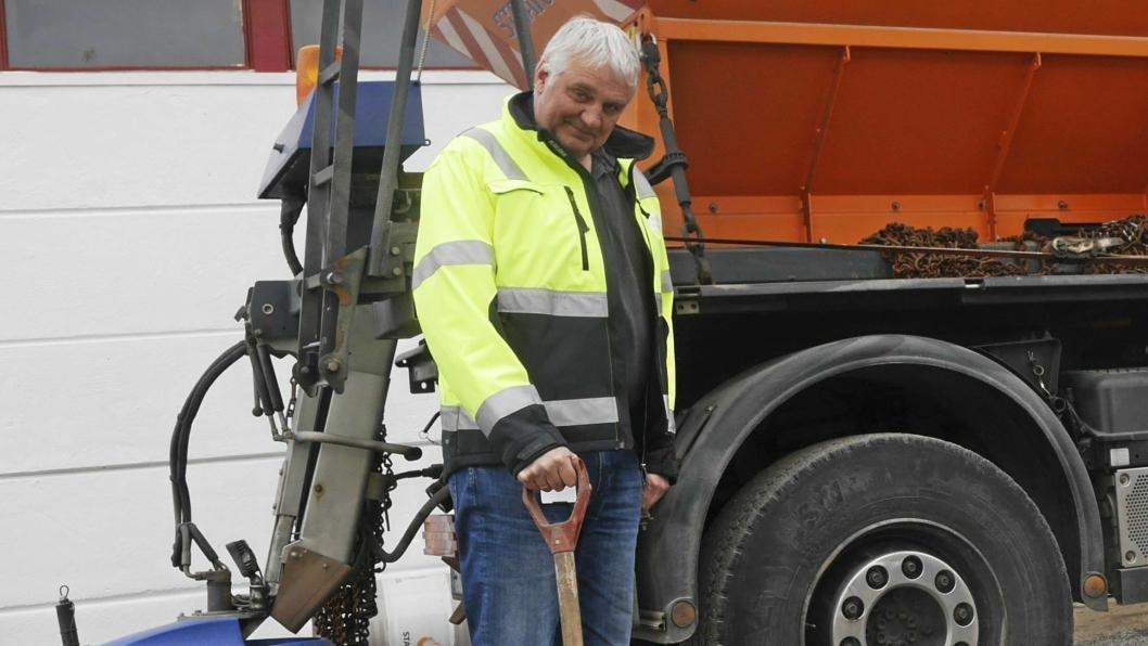 DEN GODE SAMARITAN: Det var driftsleder i VEI, Kay Pedersen, som ryddet opp søppelet ved golfbanen.