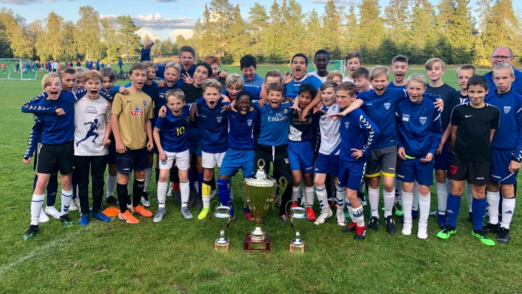 CUP-KLARE: 2006-gjengen i Kolbotn er klare for cup. Noen skal til pers i Hamar, mens andre går for gull på hjemmebane.