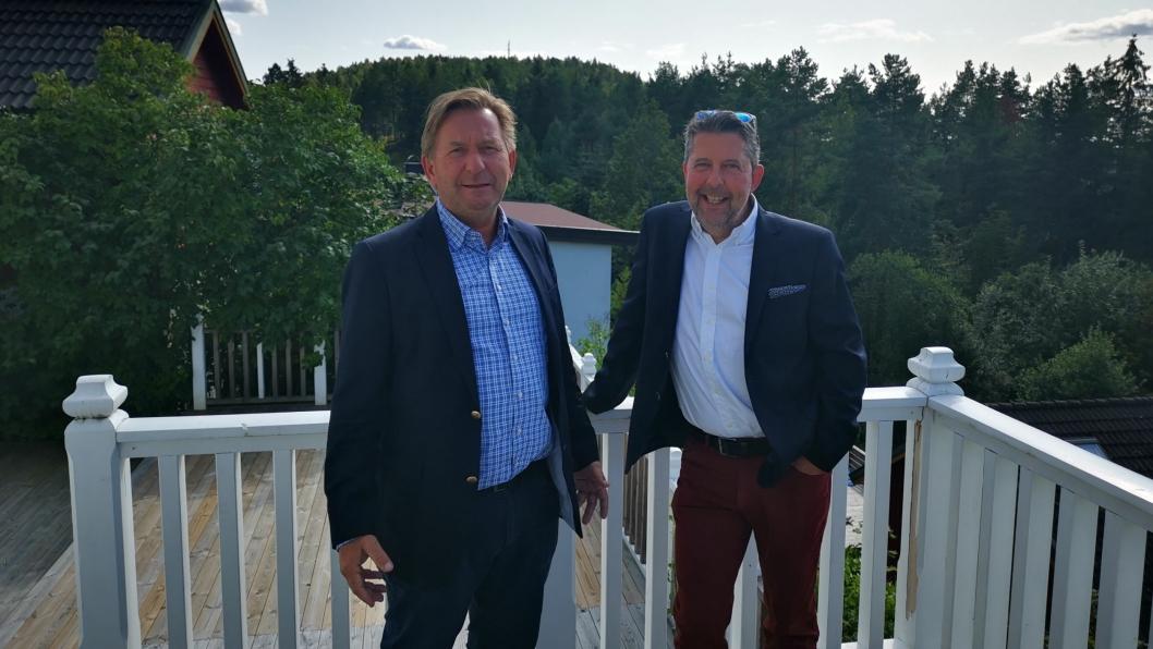 MIDT I SMØRØYET: Anders Foss (t.v) og Truls Myrbråten hos Foss og Co mener Kantorbekken terrasse har prima beliggenhet, og gleder seg til å komme i gang med salgstrinn to.