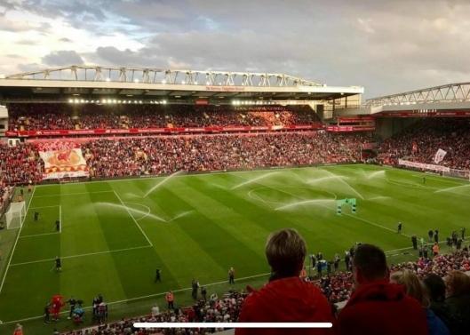 VINN BILLETTER: Førstepremien i guttas lotteri er en Champions League-kamp på Liverpools hjemmebane Anfield.