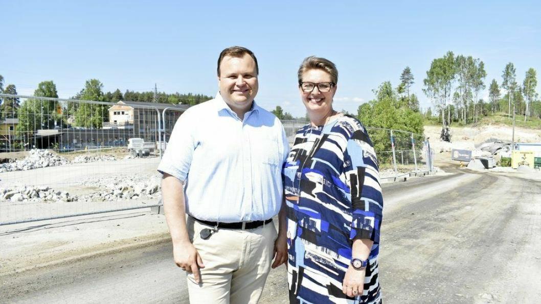 MAKTHAVERE: Thomas Sjøvold og Hanne Opdan er enige om å styre Nordre Follo sammen.