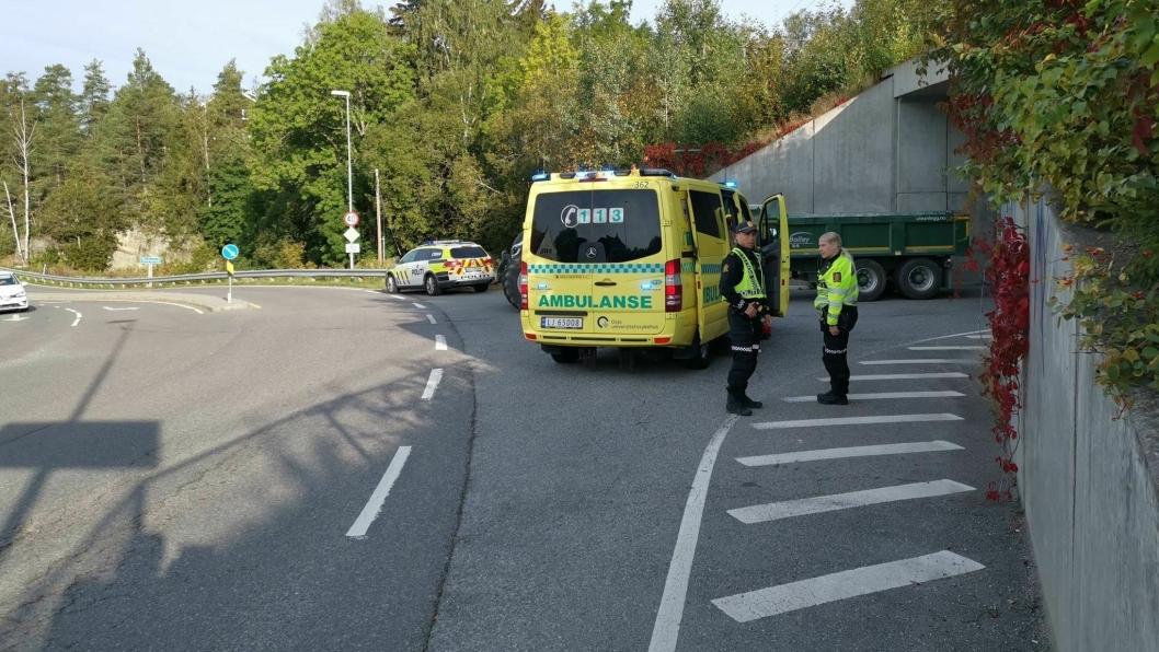 PÅKJØRT: En ungdom ble påkjørt i gangfeltet rundt klokken 09.00 i morges.