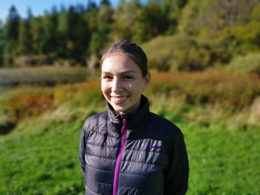 UNG ARRANGØR: Elise Veddegjerde gleder seg til årets eventyrsti. 21-åringen har laget 15 oppgaver til årets utgave av det populære arrangementet.