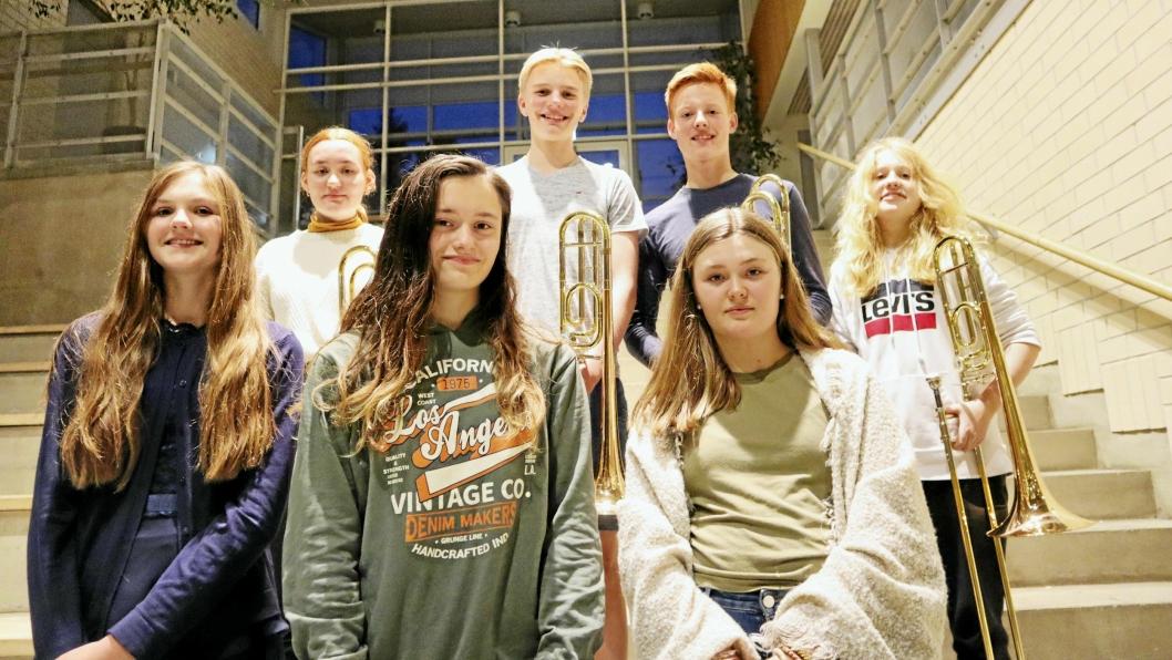 UNGE TALENTER: Disse syv unge musikerne og tre andre skal vise frem sine talenter med Oppegård Janitsjar i Kolben 17. oktober.