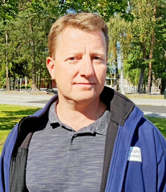 FORKLARER: – Det er vurdert at det ikke er grunnlag for å ta utvidede muggsopprøver på Sofiemyr skole, sier Hogne Haug, leder for drift og vedlikehold i Eiendom Oppegård.