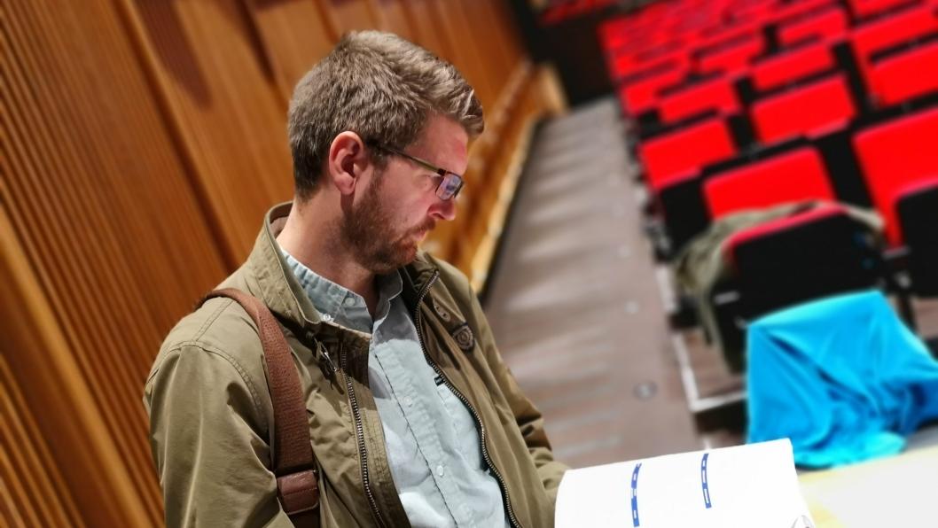 MYE Å LESE: Påtroppende varaordfører Hans Martin Enger har begynte å lese på budsjettfremlegget for Nordre Follo.