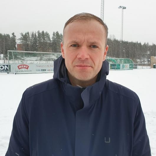 SVÆRT UHELDIG: Kjell Ove Loeshagen (39) fra Kolbotn synes situasjonen med stengte baner er svært uheldig for både spillerne og KIL.