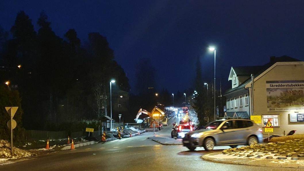 FIRE UKER: Arbeideneskal pågå på dagtid mellom klokken 07:00 og 19:00 mandag til fredag fram til begynnelsen av desember. Det benyttes manuell dirigering og signallys.