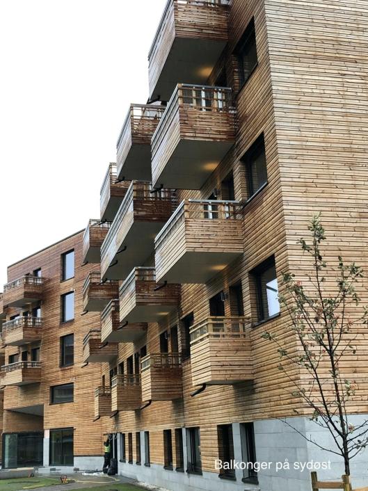 LUFTIG: Bygget har mange gode balkonger som gir det lille ekstra til beboerne.