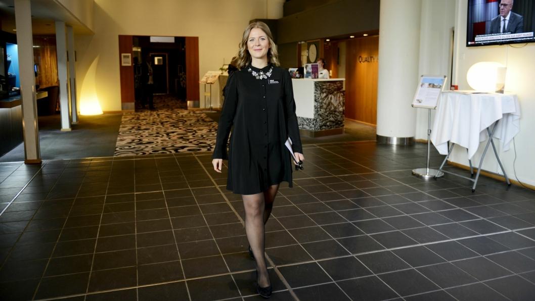 GIVERGLEDE: Hotelldriektør på Quality Hotel Entry på Mastemyr, Malin Petterson, synes det er fint å gi noe til de som trenger det.