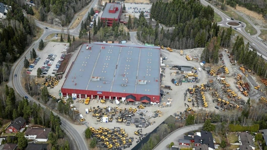 FRA INDUSTRI TIL BOLIG: I 2015, da dette bildet ble tatt, solgte Volvo Norge tomten til Fearnley. Nå har Stor-Oslo kjøpt Mellomåsveien 1, og skal bygge 500 boliger.