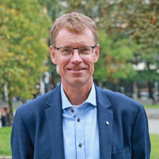 NY FYLKESDIREKTØR: Knut Sletta (53) fra Harestua blir fylkesdirektør for infrastruktur i Viken.