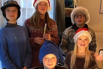 Sendte kreativ julehilsen med «O helga natt»