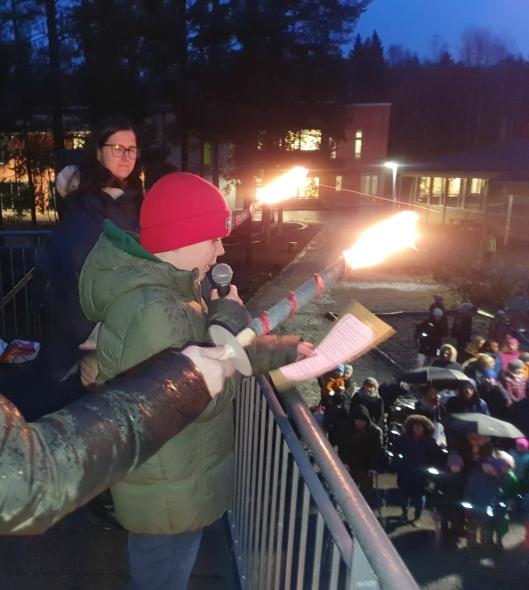HOLDT APPELL: Elevrådsleder Peder Bjørshol holdt en rørende appell.
