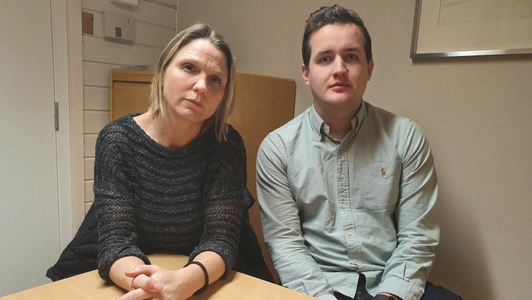 BESØKTE FIRE SKOLER: Utvalgsleder Camilla Hille (V) og nestleder i utvalget, Håkon Heløe (Ap) besøkte fire av skolene i Oppegård forrige uke.