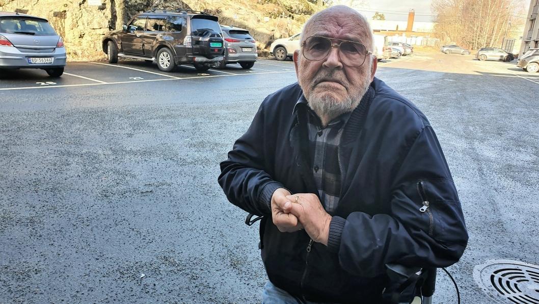 GRUER SEG: – Jeg gruer meg nå til hver eneste natt på Høyås bo- og rehabiliteringssenter, sier Jan Wessel Bjørlin (86).