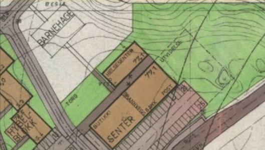 FEIL I BEBYGGELSESPLANEN: Bebyggelsesplanen viste at Trollåsen senter skulle bli utvidet med et firkantet nybygg lagt syd for det eksisterende senteret.