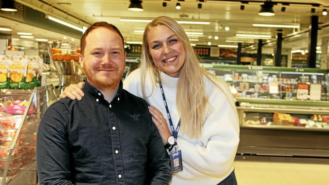 TAR OVER: Vincent Blom gleder seg til å overta for Elin Andersson når han fra 1. mars er ny butikksjef ved Coop Mega Kolbotn.