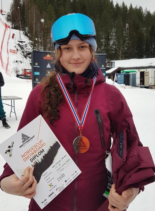 STJERNESKUDD: 14-åringen Nora Synnøve Topp Øye viste hva hun var god for, og imponerer med sølvmedalje i NM.