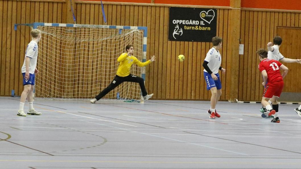 STENGER BURET: Sondre Indseth er klar for landslaget G15. Det er også Niklas Gjerde og Victoria Neverdal.