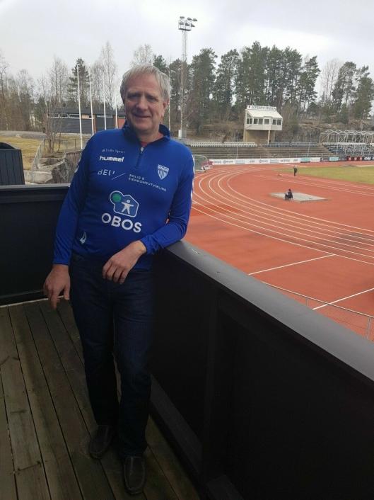 FIKK MANGE HENVENDELSER: Den nye styrelederen for kvinnefotball i KIL, Rune Nilsen, fikk mange henvendelser både fra folk som ville sette i gang med trening og fra folk som var skeptiske til at KIL skulle starte opp med dette.
