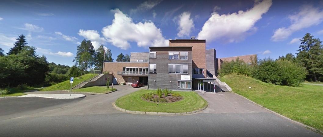 SENTRALT PÅ LANGHUS: Langhus bo- og servicesenter holder til rett i nærheten av Langhussenteret.