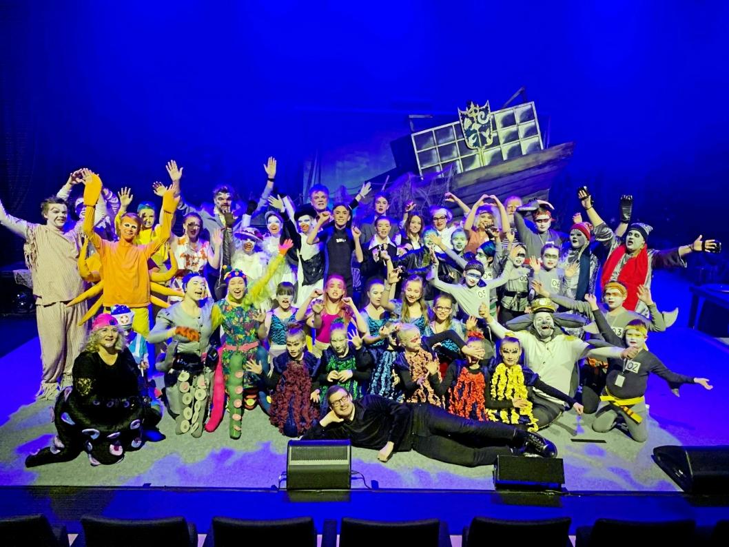 FJORÅRETS FORESTILLING: 35 barn i alderen 10-18 år og 10 voksne deltok i forestillingen «Den Lille Havfruen», som ble vist i Kolben syv ganger.