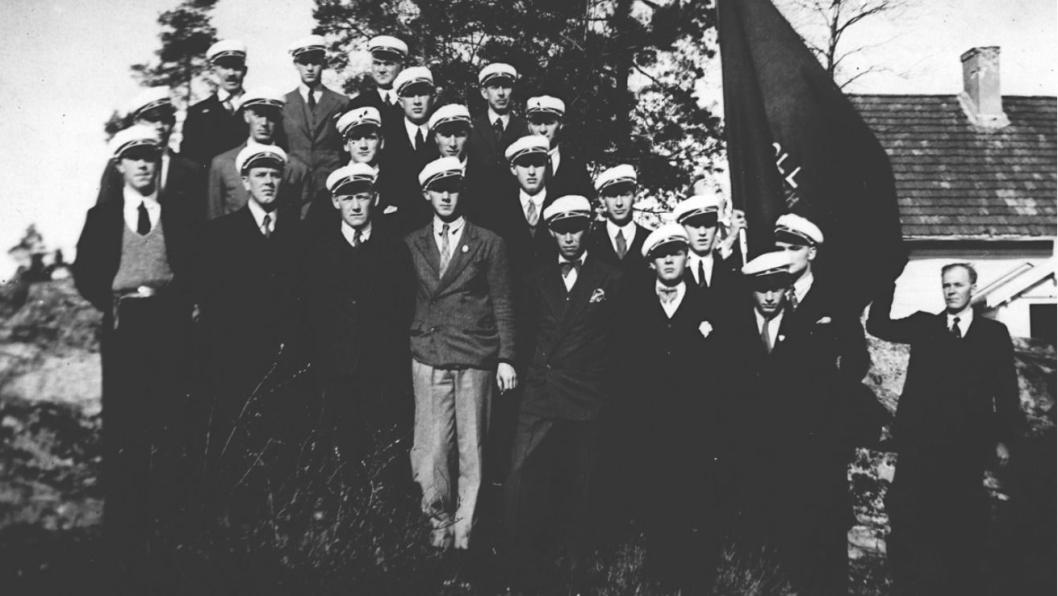 DEN GANG DA: Oppegård Arbeidermannskor fotografert 1. mai 1934 på Myrvoll.
