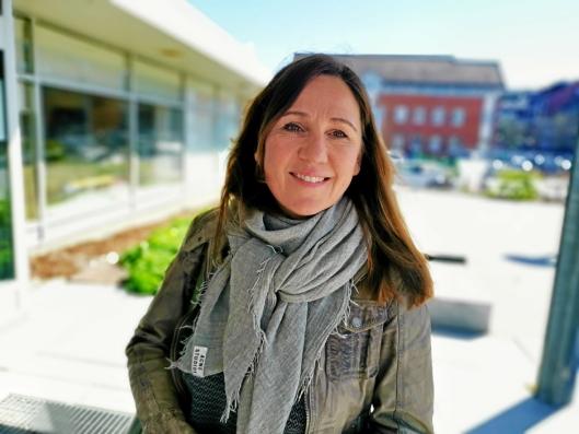 REKRUTTERER: Katti Anker Teisberg er områdeleder skole i Nordre Follo, og søker nå etter ny rektor ved Sofiemyr skole.