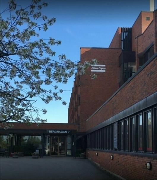 MÅ OPPGRADERES TIL FEM MILLIONER: Atlas Copcos hovedkontor ligger i Berghagan 7 på Langhus i Ski. Det er estimert et oppgraderingsbehov i lokalene på om lag fem millioner kroner.