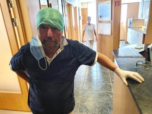 43 ÅR PÅ KOLBOTN: Geir Liabø fra Drøbak startet et tannlegesenter i Sønsterudveien i 1977. Om halvannet år skal tannlegesenteret forlate bygget.