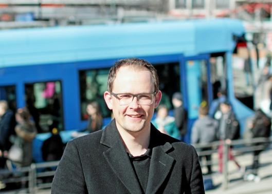 KOMMER MED TILSVAR: Knut-Martin Løken, senior kommunikasjonsrådgiver i Ruter.