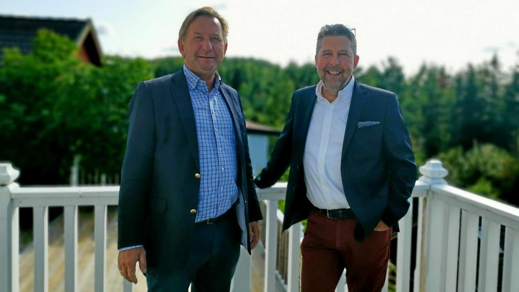 KLARE TIL Å SELGE KOMMUNAL EIENDOM: Daglig leder Anders Foss og eiendomsmegler Truls Myrbråten  i Foss & Co Eiendomsmegling AS er fornøyde med tildelingen av oppdraget.