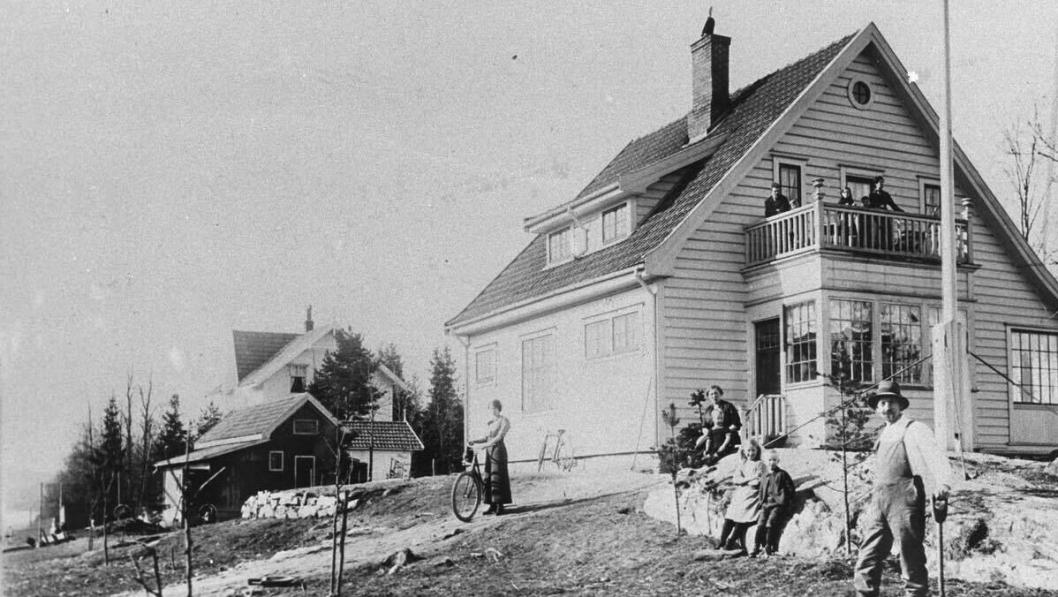 105 ÅR GAMMELT: Huset Venleik (ca. 1915) er helt sentralt og utgjør en del av den originale bebyggelsen i Kolbotn sentrum.